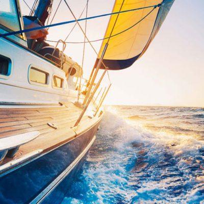 Gita-in-barca-a-vela-con-skipper